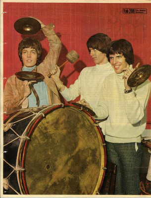 WALKER BROTHERS approx 10X13 inch pinup poster size press cutting/clipping 1967 Original